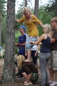Essi- Elisa Innanen osallistuu KIPU- työpajaan KAMU-leirillä.